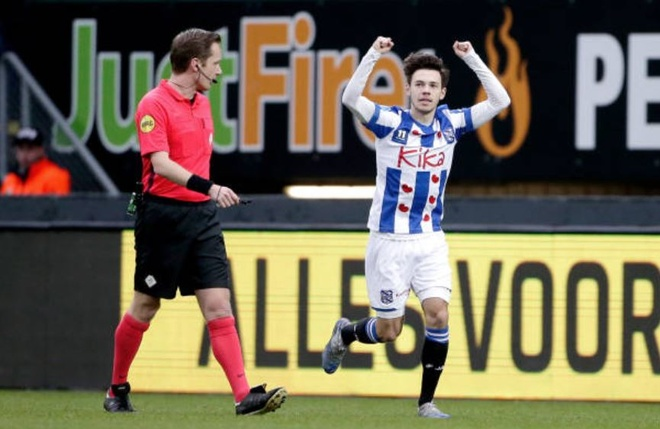 Van Hau du bi trong ngay Heerenveen thua nguoc doi chieu duoi hinh anh 9 2_2.JPG