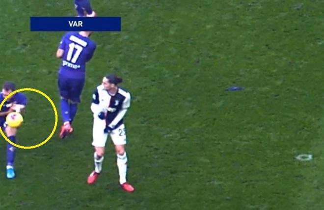Juventus 3-0 Fiorentina: Ronaldo lap cu dup tu cham phat den hinh anh 12 Untitled.jpg