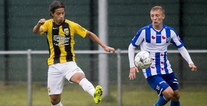 Van Hau du bi trong ngay Heerenveen thua nguoc doi chieu duoi hinh anh 4 h.jpg