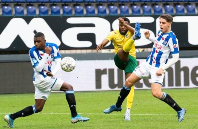 Van Hau du bi trong ngay Heerenveen thua nguoc doi chieu duoi hinh anh 2 sf.JPG
