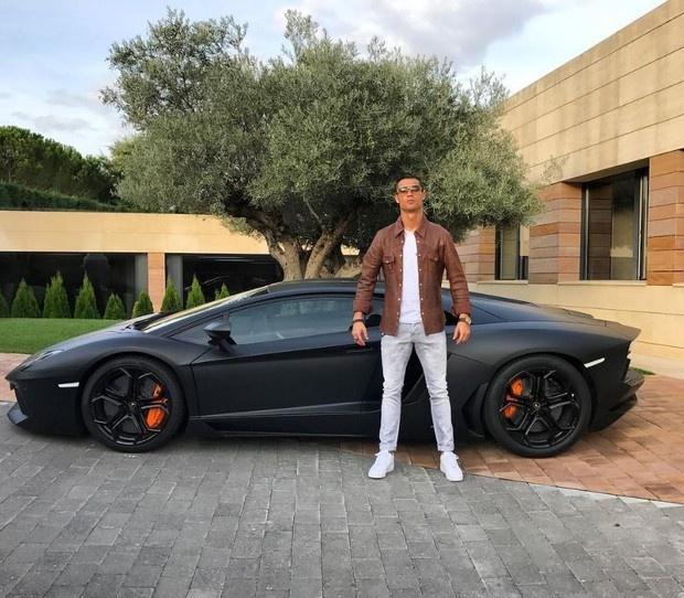 Xe sang Ronaldo nhan tu ban gai hinh anh 6 2.JPG