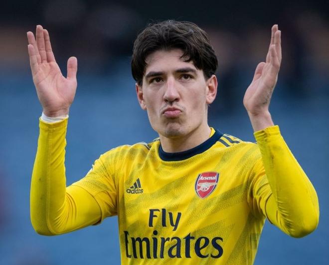 Arsenal thay mau doi hinh mua toi bang 270 trieu bang hinh anh 3 2_1.JPG