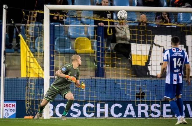 Vitesse 4-2 Heerenveen: Tham hoa hang phong ngu hinh anh 10 1.JPG