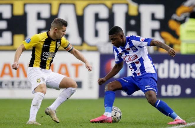 Vitesse 4-2 Heerenveen: Tham hoa hang phong ngu hinh anh 20 4.JPG