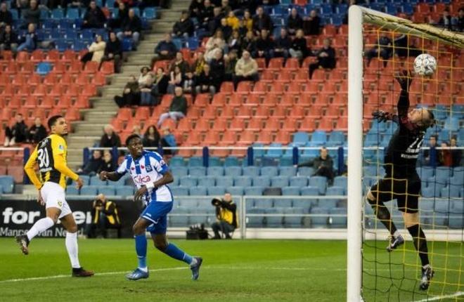 Vitesse 4-2 Heerenveen: Tham hoa hang phong ngu hinh anh 14 sa_2.JPG