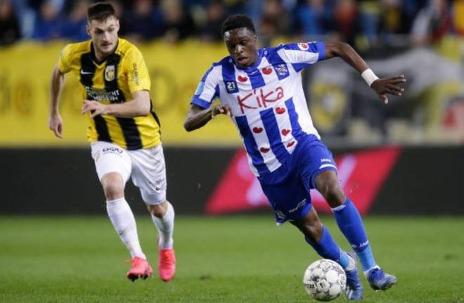 Vitesse 4-2 Heerenveen: Tham hoa hang phong ngu hinh anh 16 sa_4.JPG