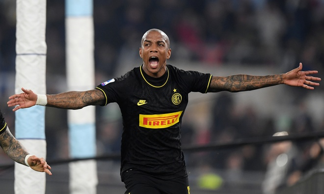 Ashley Young mo ty so, Inter van thua nguoc Lazio hinh anh 18 2020_02_16T203357Z_2077744651_RC2W1F91MWVX_RTRMADP_3_SOCCER_ITALY_LAZ_INT_REPORT.JPG