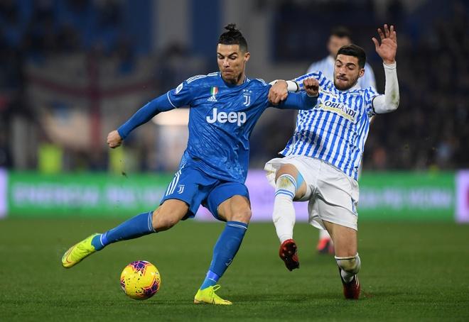 Ronaldo toa sang, Juventus xay chac ngoi dau Serie A hinh anh 10 2020_02_22T173021Z_1706446717_RC2T5F9387VO_RTRMADP_3_SOCCER_ITALY_SPA_JUV_REPORT.JPG