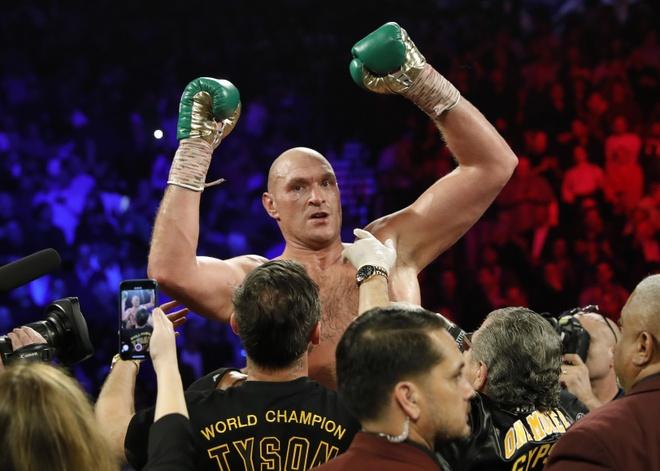 Fury thang knock-out Wilder, gianh dai WBC hinh anh 21 2020_02_23T054611Z_1074160012_HP1EG2N0G0ZN1_RTRMADP_3_BOXING_HEAVYWEIGHT_WILDER_FURY.JPG