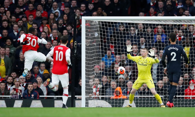 Arsenal 3-2 Everton: Ruot duoi ty so hap dan hinh anh 15 2020_02_23T165912Z_947825773_RC2G6F955G85_RTRMADP_3_SOCCER_ENGLAND_ARS_EVE_REPORT.JPG