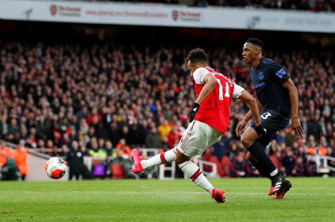 Arsenal 3-2 Everton: Ruot duoi ty so hap dan hinh anh 17 2020_02_23T170423Z_1991368751_RC2H6F9Y0MY2_RTRMADP_3_SOCCER_ENGLAND_ARS_EVE_REPORT.JPG
