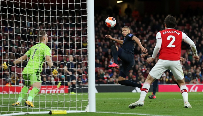 Arsenal 3-2 Everton: Ruot duoi ty so hap dan hinh anh 19 2020_02_23T172307Z_20710951_RC2H6F9L3XVF_RTRMADP_3_SOCCER_ENGLAND_ARS_EVE_REPORT.JPG