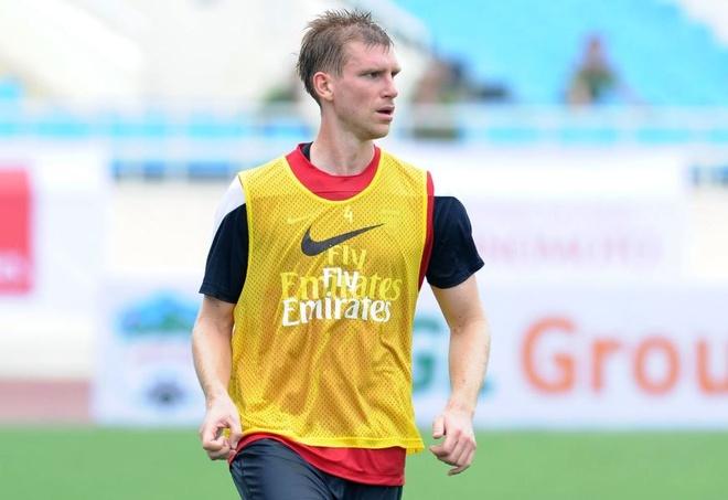 Gnabry va dan sao Arsenal den Viet Nam nam 2013 hinh anh 2 2_2.JPG
