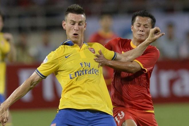 Gnabry va dan sao Arsenal den Viet Nam nam 2013 hinh anh 3 3_1.JPG