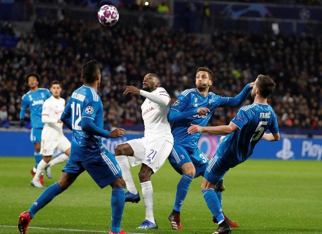 Lyon 1-0 Juventus: Ronaldo bi phong toa hinh anh 7 2020_02_26T201953Z_496918467_RC2K8F9QA1HL_RTRMADP_3_SOCCER_CHAMPIONS_LYO_JUV_REPORT.JPG