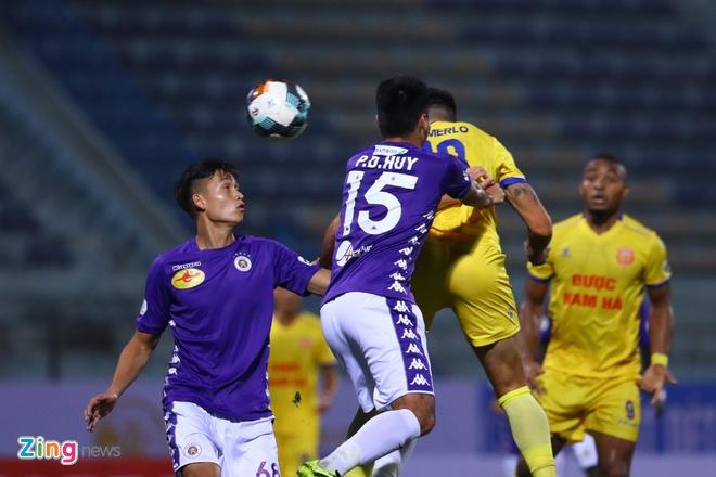 CLB Ha Noi danh bai CLB Nam Dinh o tran cau co 6 ban thang hinh anh 21 7_zing_1_.jpg