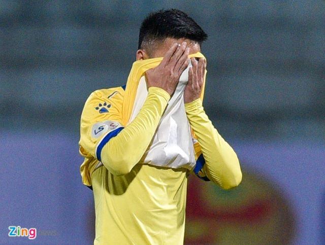 CLB Ha Noi danh bai CLB Nam Dinh o tran cau co 6 ban thang hinh anh 20 g_zing_1.JPG
