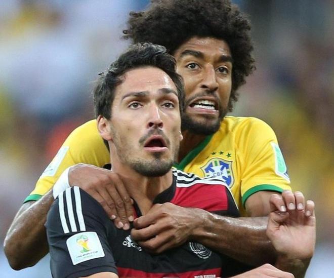 Doi hinh Brazil thua Duc 1-7 dang o dau? anh 3