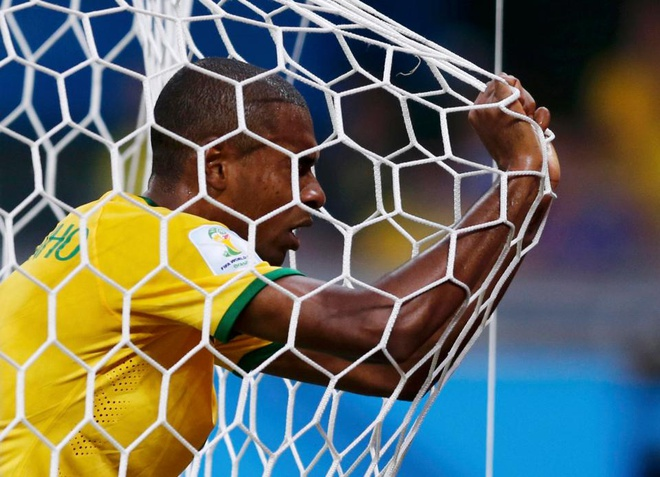 Doi hinh Brazil thua Duc 1-7 dang o dau? anh 6