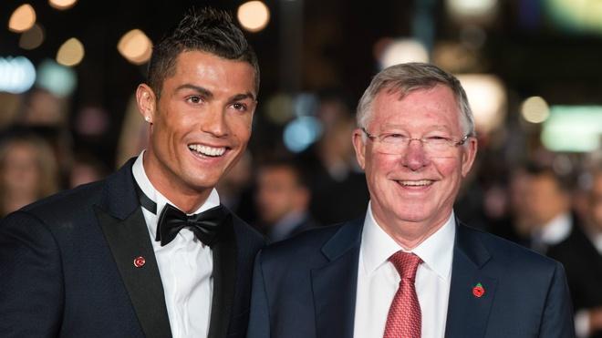 Ronaldo dong y tro lai MU nam 2013 anh 1