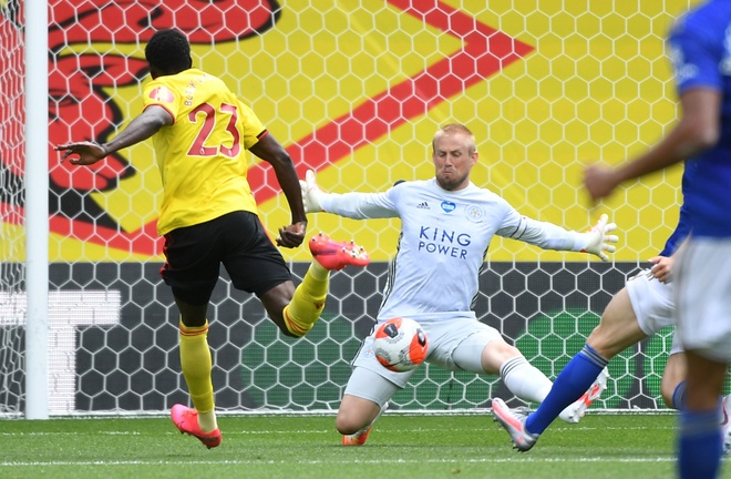 Watford vs Leicester anh 14