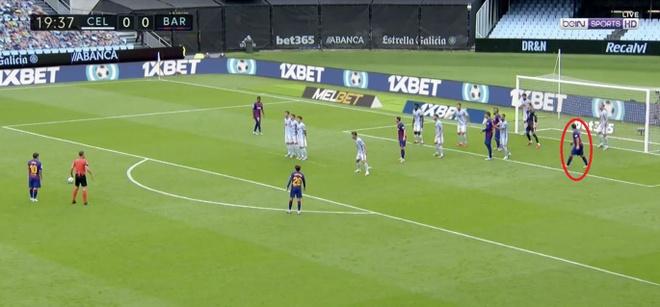 Messi da phat tinh quai lua ca hang thu Celta Vigo anh 1