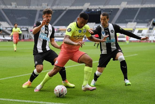 Newcastle vs Man City anh 14