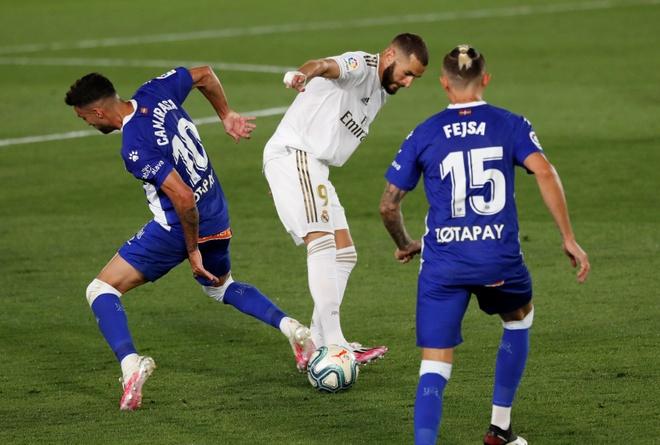 Real Madrid gap Alaves anh 13