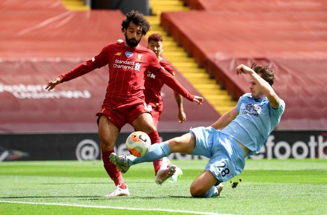 Liverpool gap Burnley anh 10