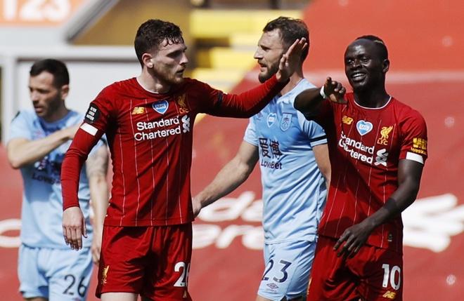 Liverpool gap Burnley anh 17