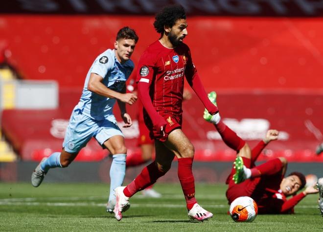 Liverpool gap Burnley anh 18