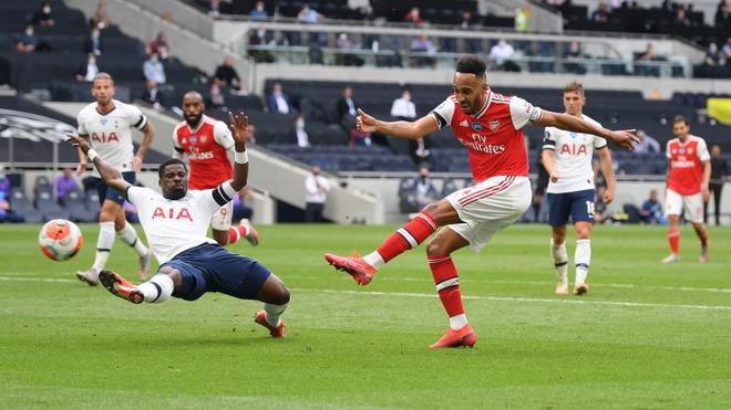 Tottenham gap Arsenal anh 17