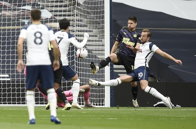 Tottenham vs Newcastle anh 15