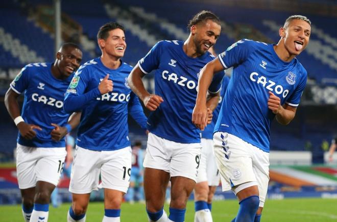 Everton gap MU anh 1