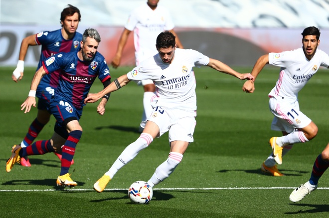 Real Madrid dau Huesca anh 1
