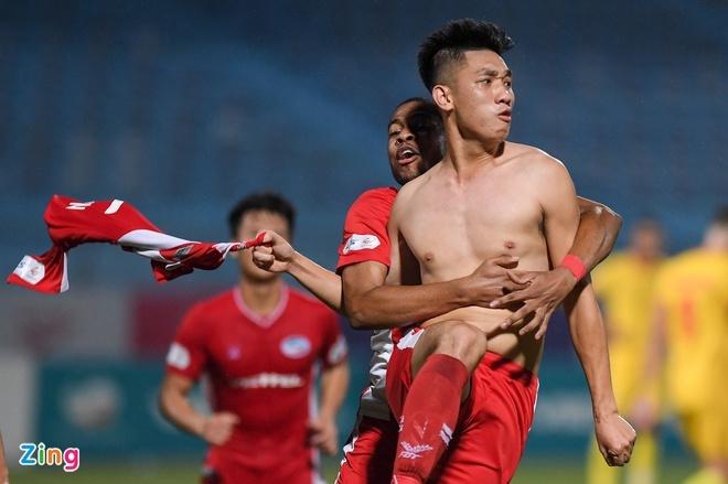CLB Quang Ninh vs Ha Noi anh 4