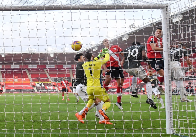 Southampton dau Man Utd anh 19