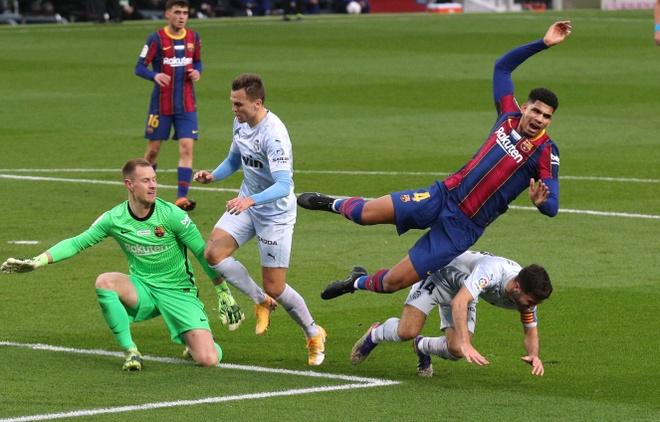Barca vs Valencia anh 13
