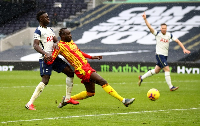 Tottenham dau West Brom anh 27