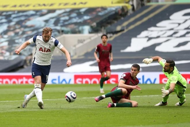Tottenham dau Wolves anh 16