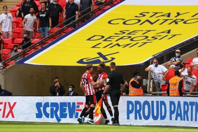 Play-off thang hang Premier League anh 7