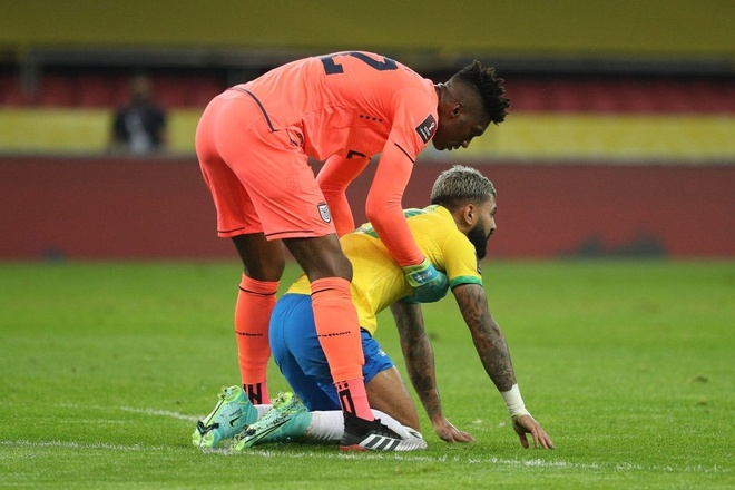 Brazil vs Ecuador anh 18