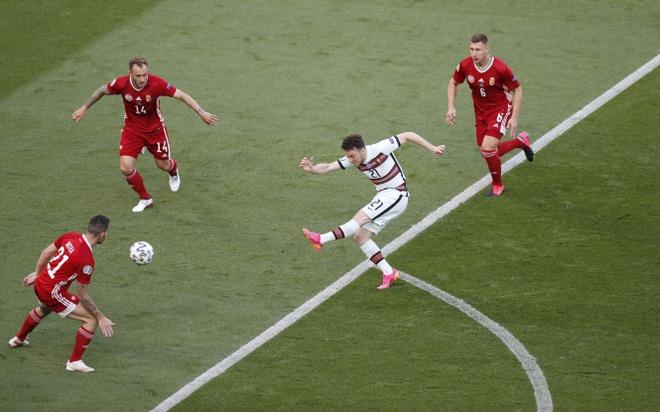 Ronaldo san sang toa sang anh 19