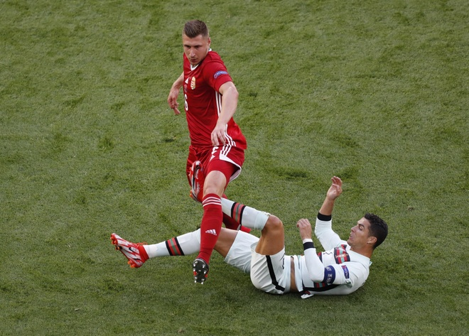 Ronaldo san sang toa sang anh 22