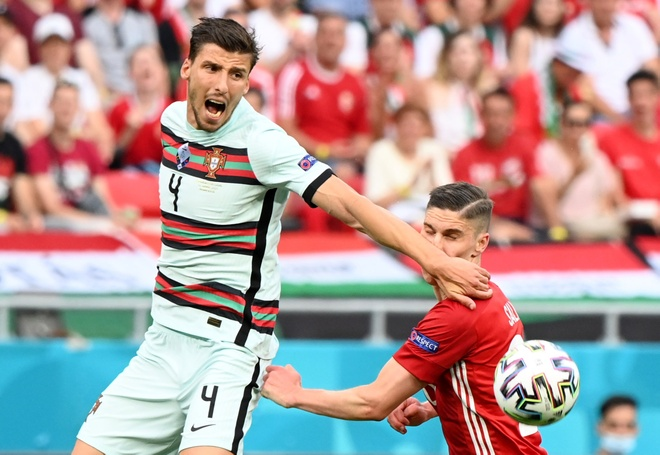 Ronaldo san sang toa sang anh 24