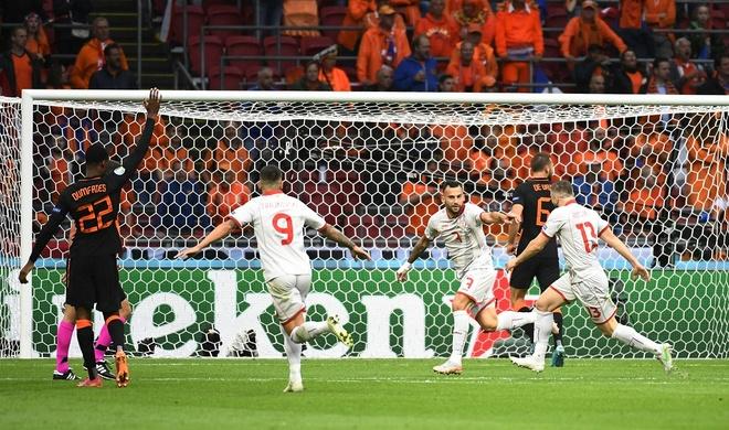 Bac Macedonia vs Ha Lan anh 12