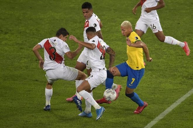 Brazil vs Peru anh 20