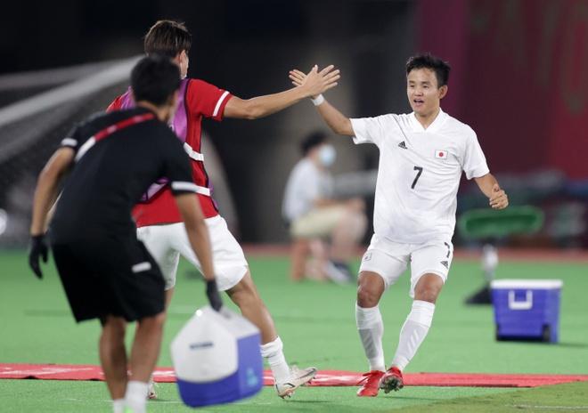 Olympic Phap vs Nhat Ban anh 7