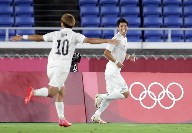 Olympic Phap vs Nhat Ban anh 8