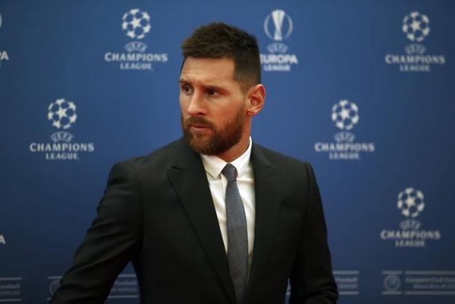 Messi hop bao ve vu do vo voi Barcelona anh 3